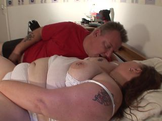 Fat ass matured bbw widening on bed when banged hardcore