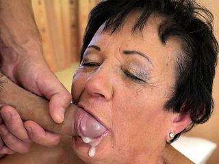 Gilfs mouth dripping jizz