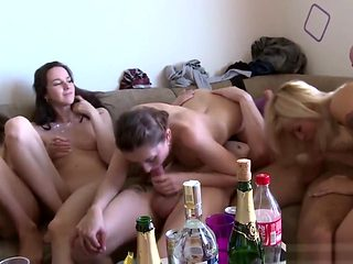 Swingers have a good time