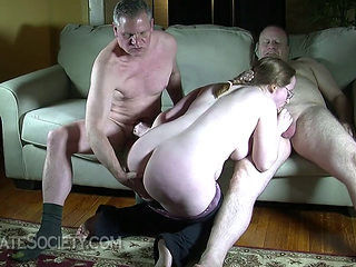 Amateur Bbw In A 3some