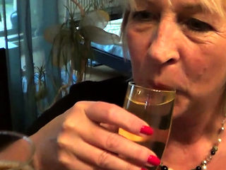 Old mature milf make piss party with young boy