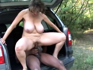 Mature With Titanic Tits Fuck Outdoor With BBC