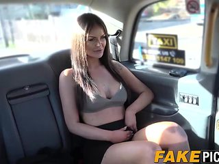 Lesbian taxi MILF is hot and horny for some delicious pussy