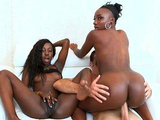 Ebony chicks Naomi and Molleuex sharing white cock
