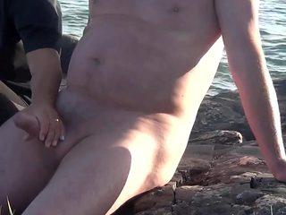 Outdoor handjob (stockholm)