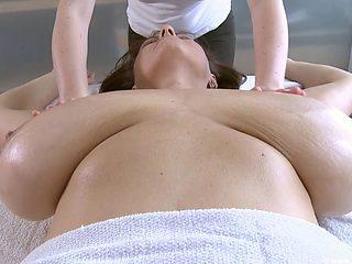 Busty Milf Massage 1080p