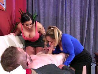 Amazing Cfnm Babes Blowing Dick Till Cumshot