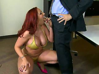 Chunky boss babe Kelly Divine is free to do whatever she wants in her office. The only thing she ...