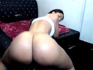 Cam girl with big ass