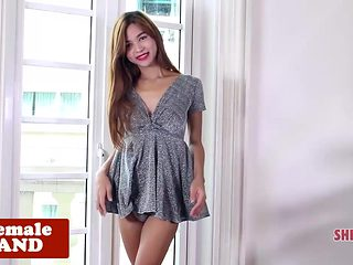 Petite ladyboy spreads ass while teasing solo