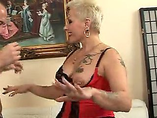 Sexy Granny Cougar Makes Great Fuck Doll