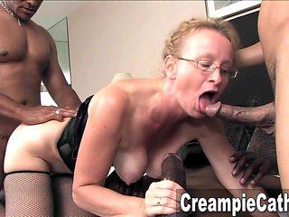 Sloppy Creampie For Milf