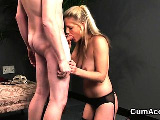 Sexy beauty gets cumshot on her face swallowing all the jizz