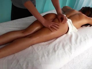 Schoolgirl suddenly lost her virginity in a massage parlor!