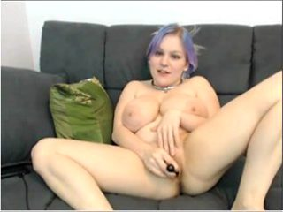Emo Chick Fucks Her Self Infront Of Viewers