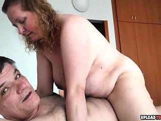 Chubby Amateur Couple Fucking On The Bed