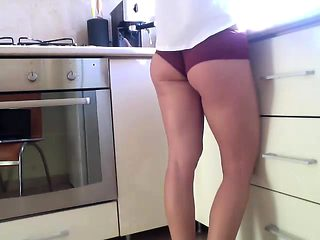 MILF amateur in crotchless panties plays