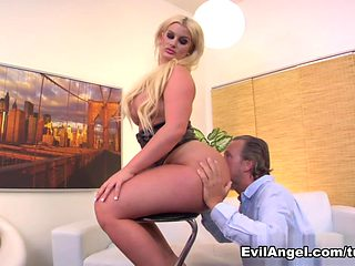 Hottest pornstars Julie Cash, Tom Byron in Fabulous Cumshots, Femdom adult scene