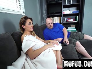 Mofos - Quinn Wilde Porn Video - Latina Sex Tapes