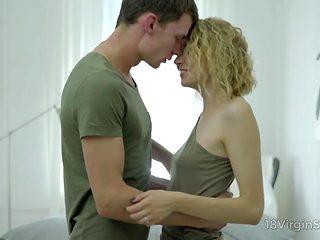 18 Virgin Sex - Handsome dude seduces his hot girlfriend