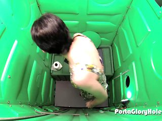 Porta Gloryhole short haired slut sucks cocks in public gloryhole for money