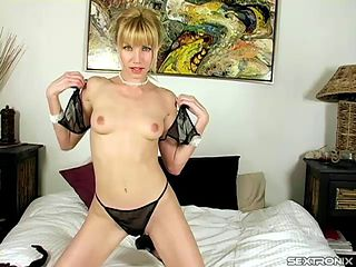 Marvelous stripteasing from hot ass solo model in bed