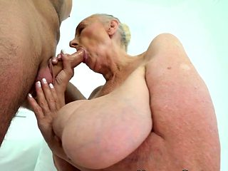 Old granny sucks dick