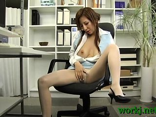 Sexy office oriental babe loves playing perverted at work
