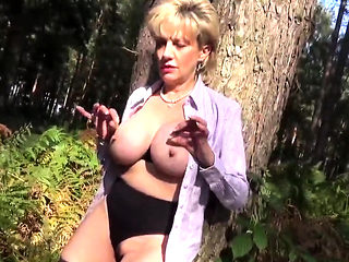 Unfaithful british mature lady sonia presents her gia67SXj
