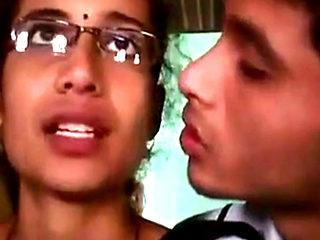 Desi College Girl Scandal Wild Kissing Scene
