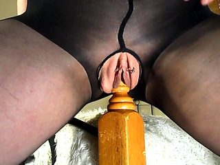 Amateur MILF Rides Her Bedpost - Multiple Squirting Orgasms