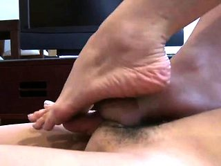 Angel gets her feet licked and gives a sizzling sexy footjob