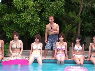 sucking and fucking by Japanese bikini babe in the pool