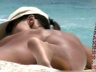 Amateur nudist brunette pussy on hidden cam