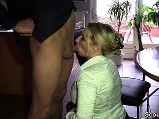 Notgeile Mutter fickt ihren Schwager nach Familienfeier