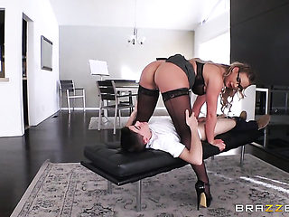 Blonde has oral experience of her lifetime with hard cocked dude