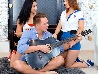 Sofy Torn & Jessica Lincoln in Two Sporty Babes Seduce Musician - FirstBGG