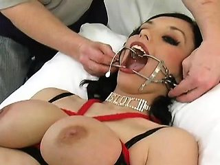 Sexy mistresse loves licking other pussies for fun