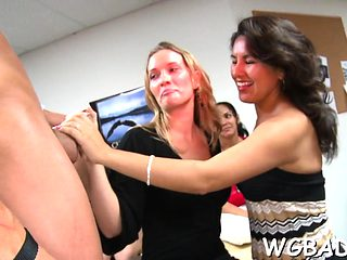 Stripper is getting his rod sucked by several sweethearts