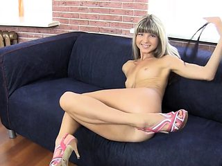 Beauty takes off raiment and lingerie to fuck at a casting