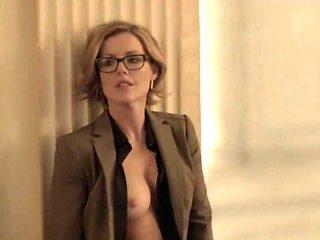 Kathleen Robertson - Boss