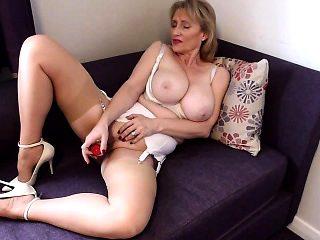 Sexy British MILF likes to masturbate