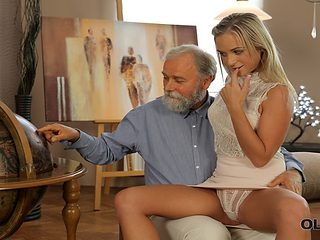 VIP4K. Old dad spends wonderful time with adorable blonde
