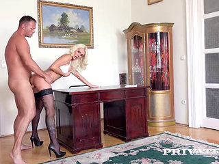 Secretary Dyana Hot Seduces Her Boss