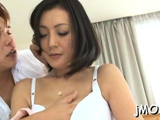 Awesome chick gives hawt titty wank