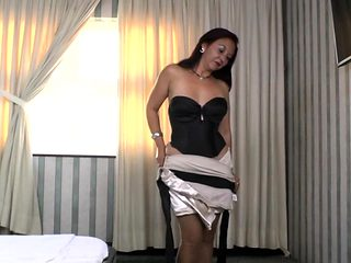 Latin housewife Bella toying her pussy