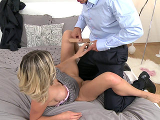 Squirt By Sexy Mom