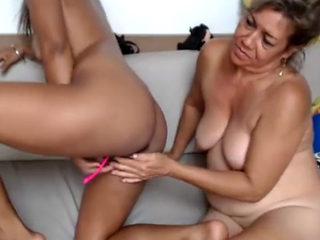 Latina Pissing Lesbian Sluts