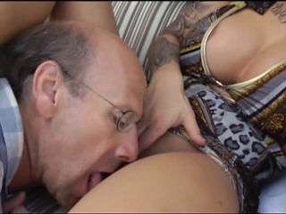 Cuckold Latin Wife Fucked By Her Bull