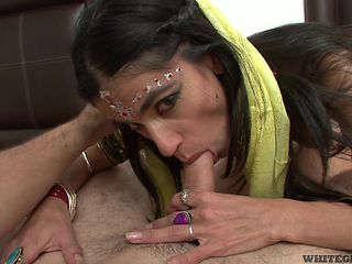 indian housewife tastes a white cock @ real indian housewives #03